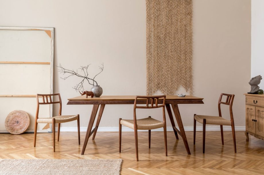Stylish,And,Beige,Interior,Of,Dining,Room,With,Design,Wooden