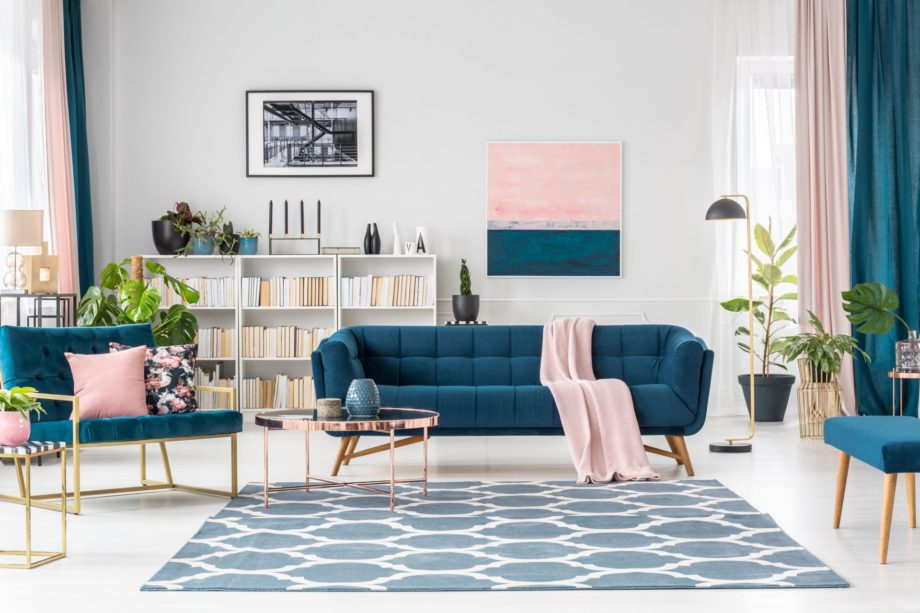 Patterned,Carpet,In,Pink,And,Blue,Living,Room,Interior,With
