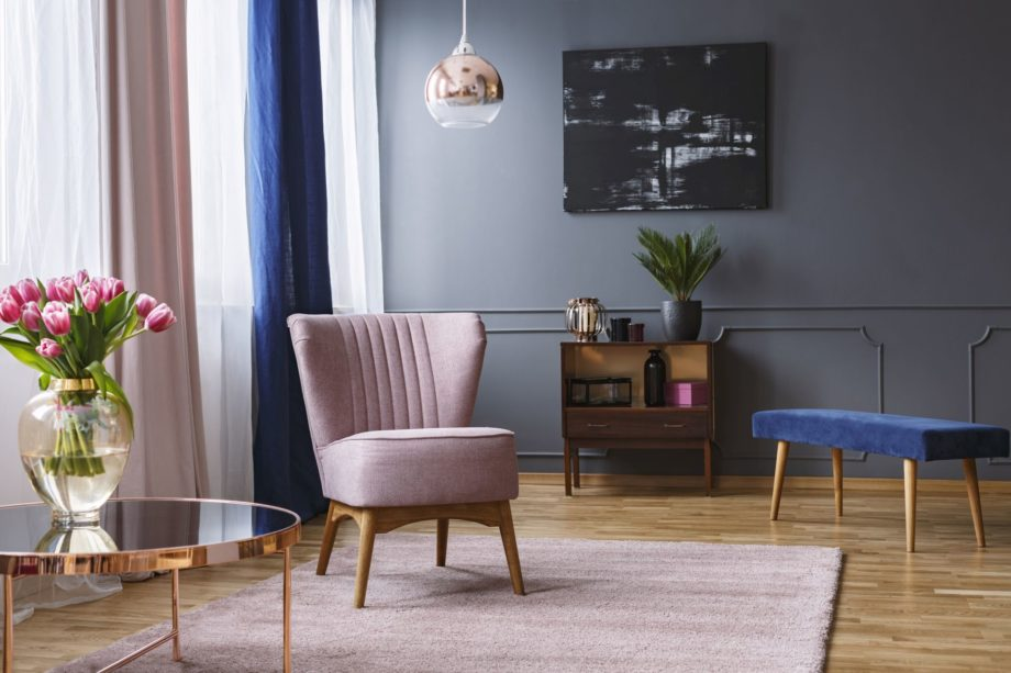Real,Photo,Of,A,Pink,Armchair,Standing,On,A,Rug
