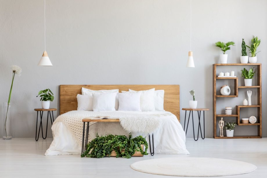 White,Pillows,On,Wooden,Bed,In,Minimal,Bedroom,Interior,With