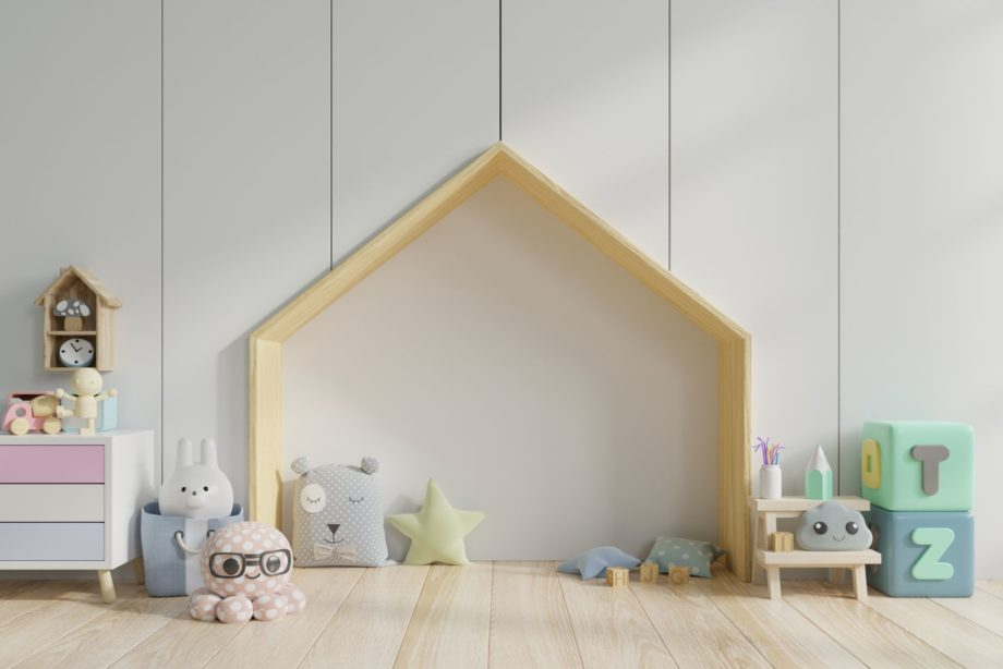 Bedroom,Kids/children's,Room,On,Bed,Floor,With,Pillows,In,Colorful