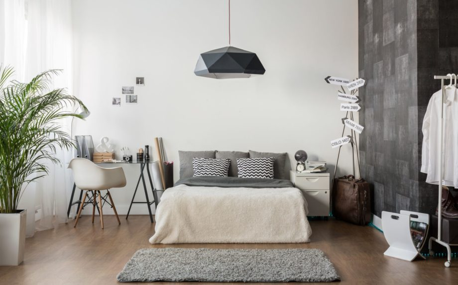 Interior,Of,White,And,Gray,Cozy,Bedroom